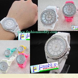 นาฬิกาสุดน่ารักGENEVA สายSilicone สีสันสวยงามทุกเวลา